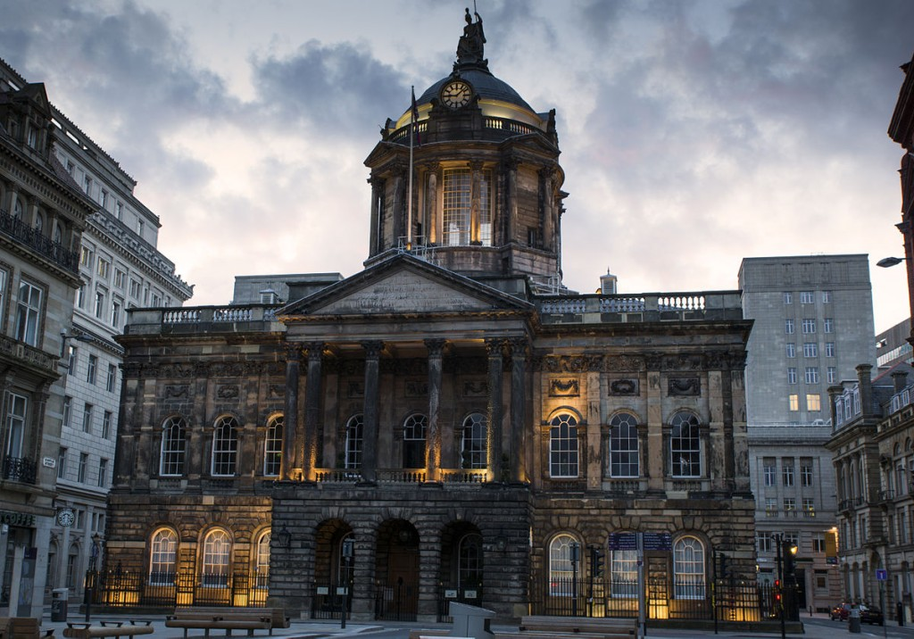 1200px-Liverpool_Townhall_(7684898060)