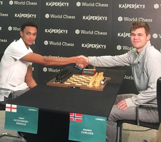 Trent-Alexander-Arnold-Carlsen-Chess-Match-2018